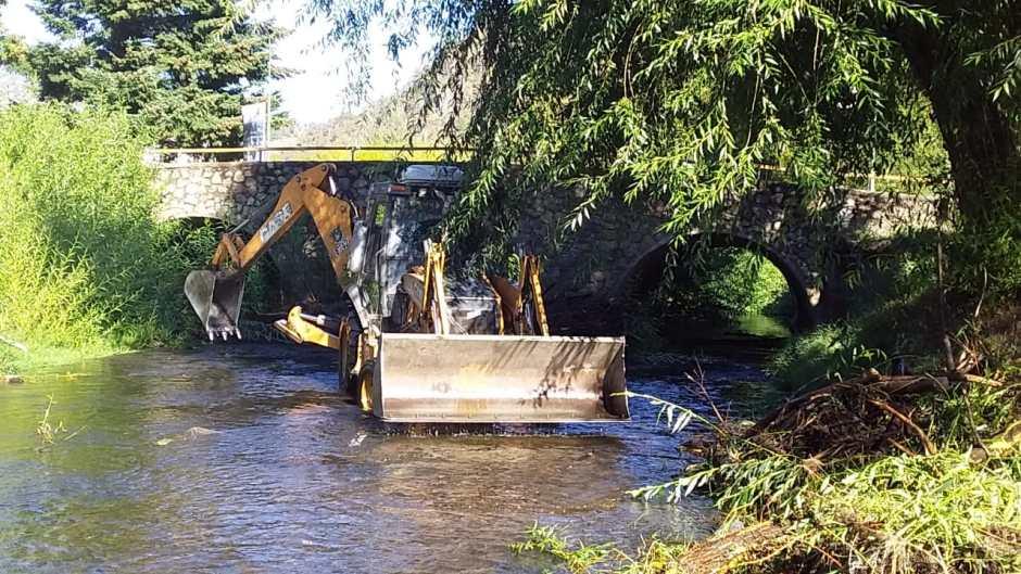 El Municipio avanza con la limpieza del arroyo Pocahullo