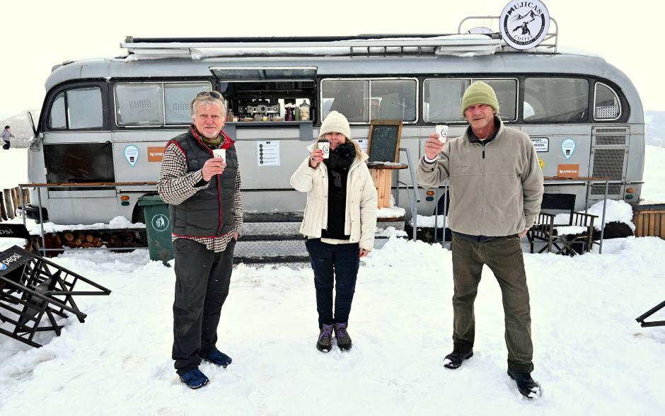 Mujica´s Coffee: un divertido espacio para comer rico y disfrutar la nieve