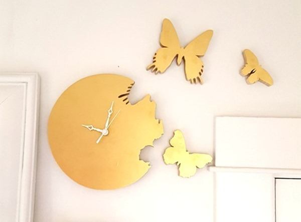 Cutout Butterfly Silhouette Clock - an easy woodworking project for the beginner! {Reality Daydream} #scrollsaw