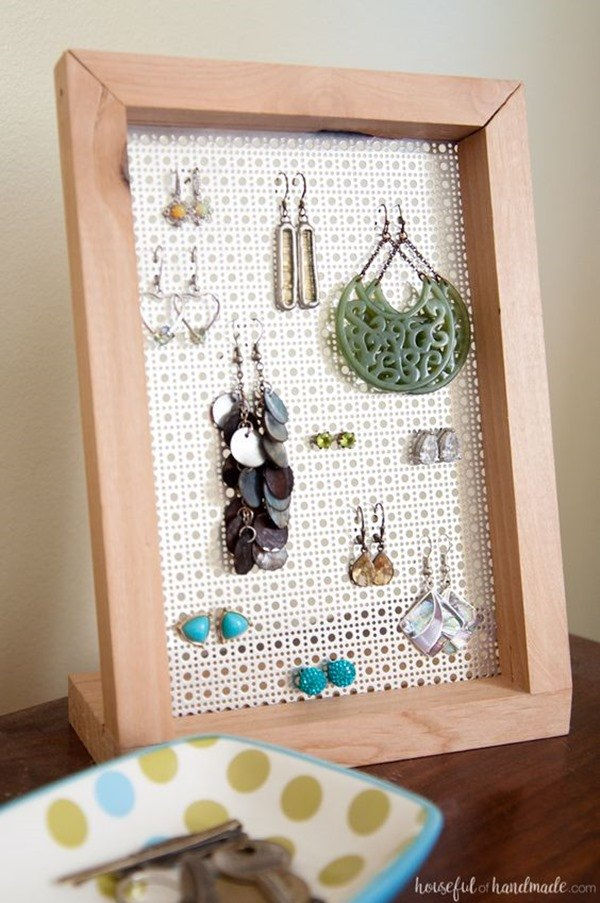 Easy DIY Woodworking Project - Earing Holder {Houseful of Handmade}
