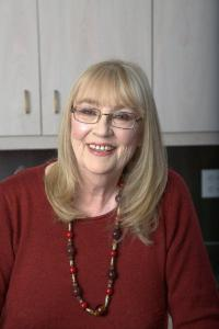 Christmas Cake Murder by Joanne Fluke Book Review Author Bio Joanne Fluke Facebook