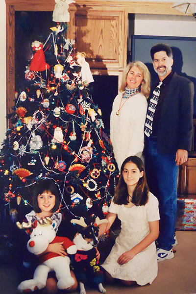 Awkward Family Photos For Our 80s Christmas Cards