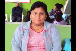 Peru woman pink shirt