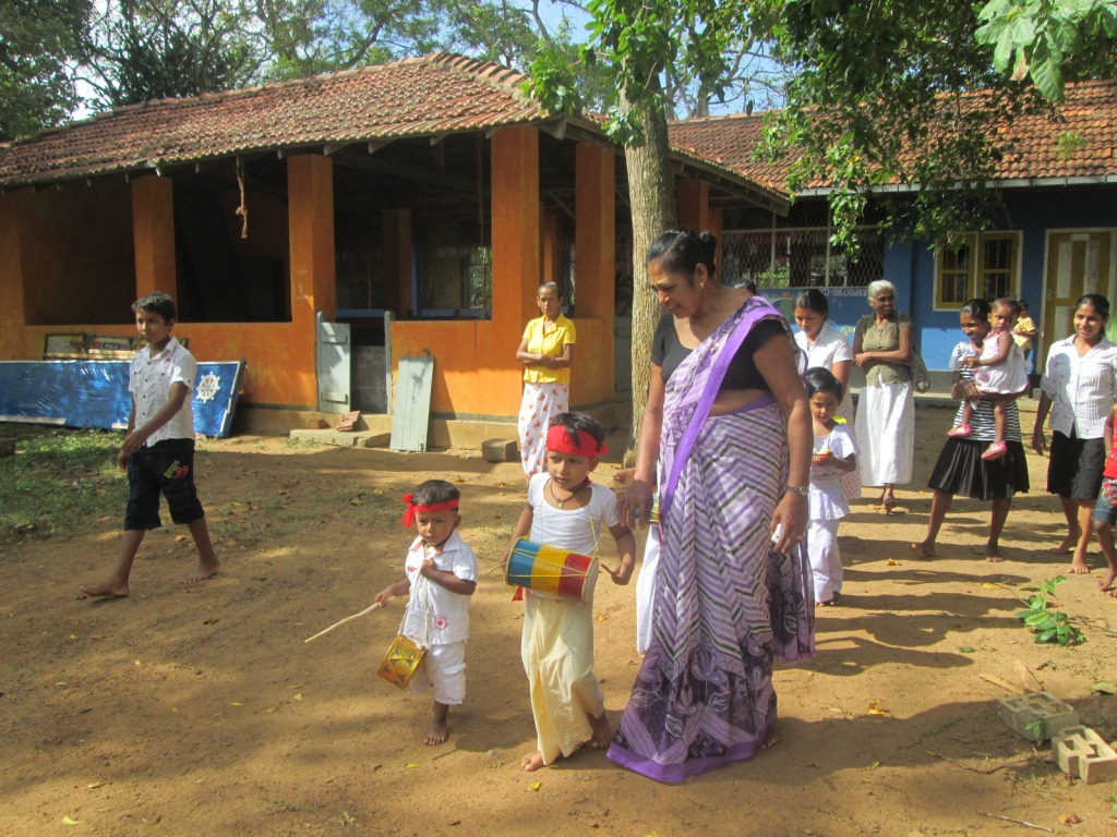 The procession was organized by the preschool's teachers.