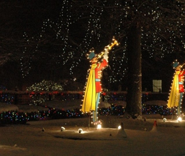 Holiday Lighting Display At Ge Lighting Electrical Institute Nela Park East Cleveland Christmas Eve