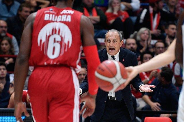 """Ettore Messina: """"Inaccettabile prendere 92 punti, è colpa mia"""""""