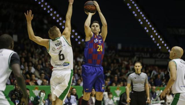 L'ex obiettivo Kyle Kuric rinnoverà con il Barcellona