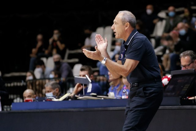 Ettore Messina come Jasmin Repesa e Simone Pianigiani