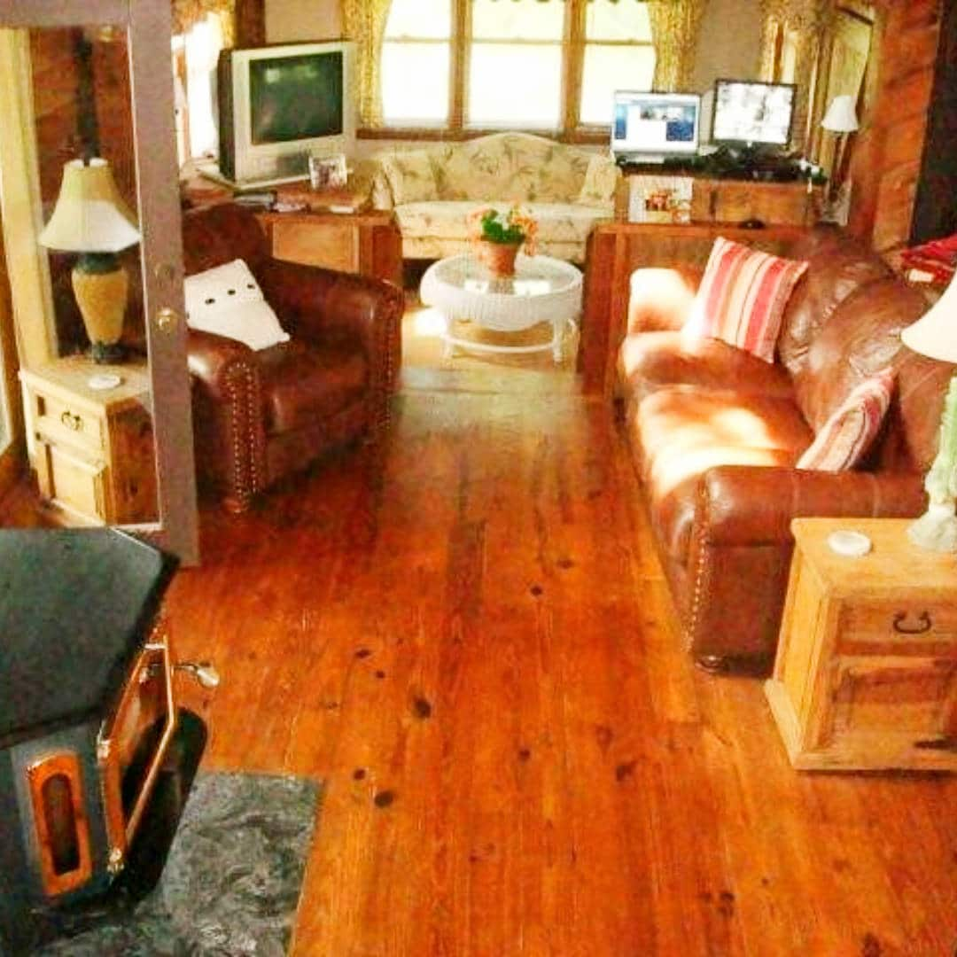 twin cedar-62718-living room