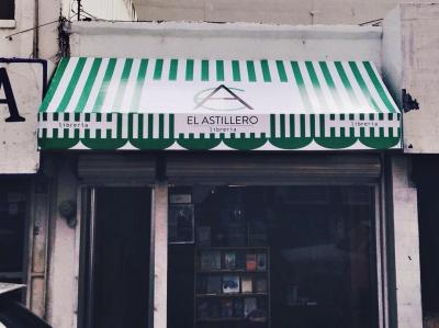 El Astillero Bookstore
