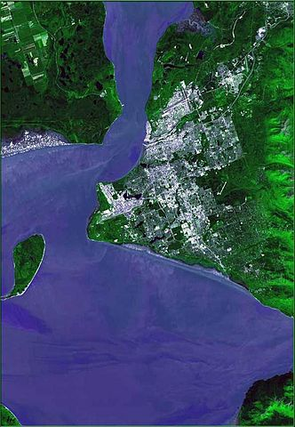 332px-Anchorage_ak_from_space