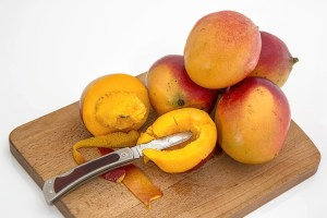 mango Safe Fruit and Vegetable for dogs