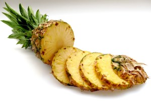 pineapple Safe Fruit and Vegetable for dogs