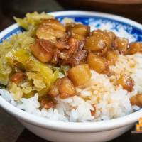 【高雄小吃】太皇祖羊肉羹肉燥飯(苓雅店) 南高雄第一家分店膠質滿滿銷魂好吃肉燥飯