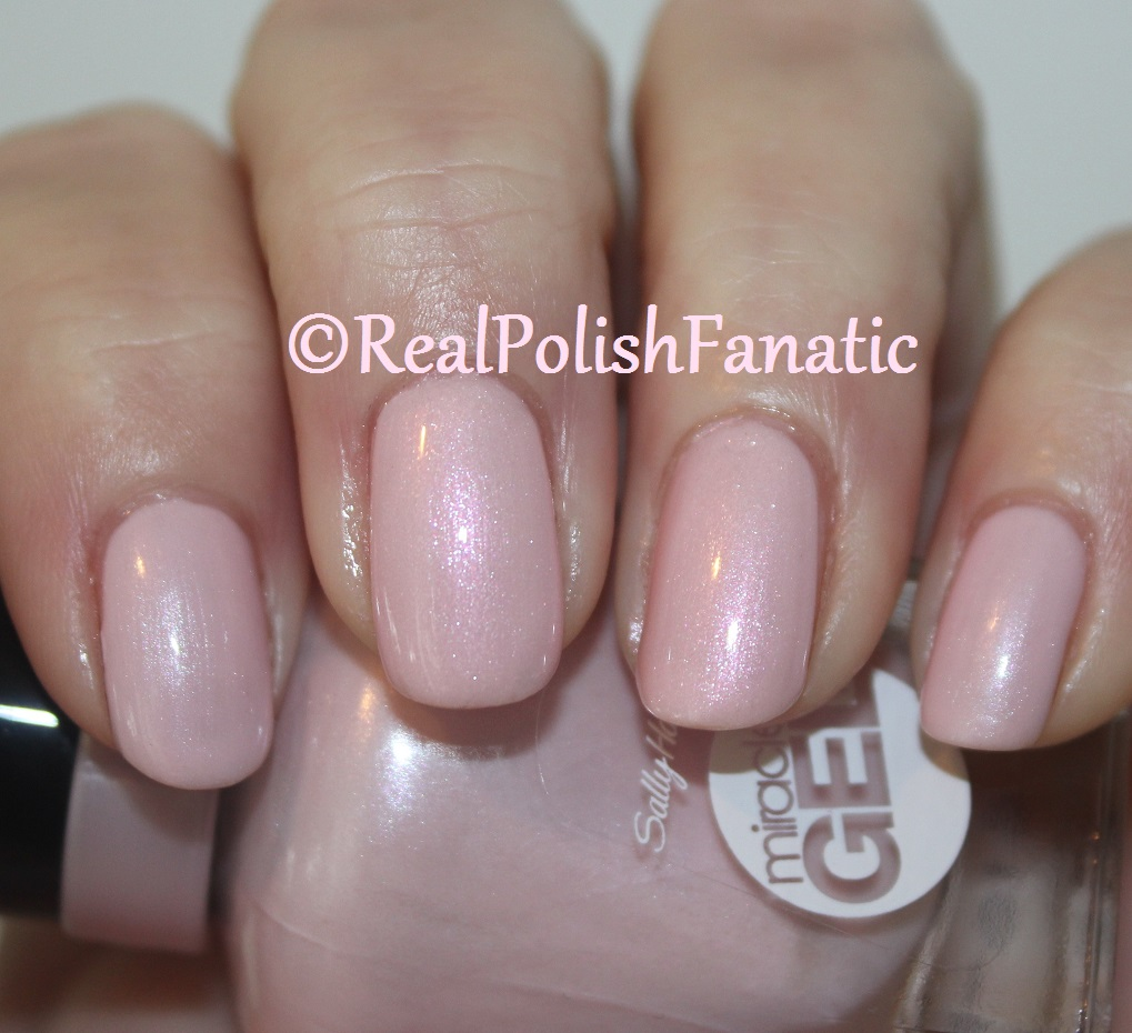 Sally Hansen ComparisonMiracle Gel Plush Blush VS Insta Dry Make It Snappy  RealPolishFanatic