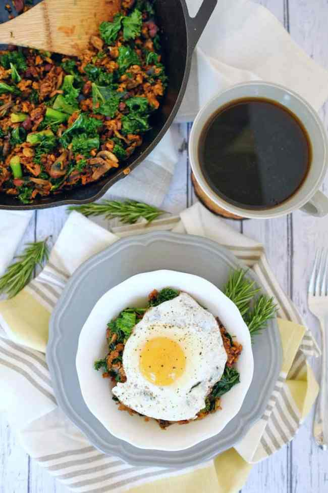 This Paleo + Whole30 sweet potato breakfast hash comes together quickly and is a healthy, clean and flavorful way to start your day. Paleo and Whole30. |realsimplegood.com