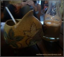 Teh Susu (gelasnya gokil!)