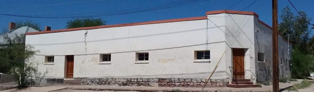 Corner property in barrio el hoyo