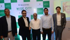 Dr.-Mohammad-Abdulsalam-Mr.-Jamal-Ali-with-Mr.-Vijay-Wadhwa-Chairman-Emeritus-The-Wadhwa-Group-at-a-press-conference-in-Mumbai