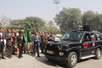DLF Foundation donates Patrolling Cars to Gurugram Police RealtyMyths