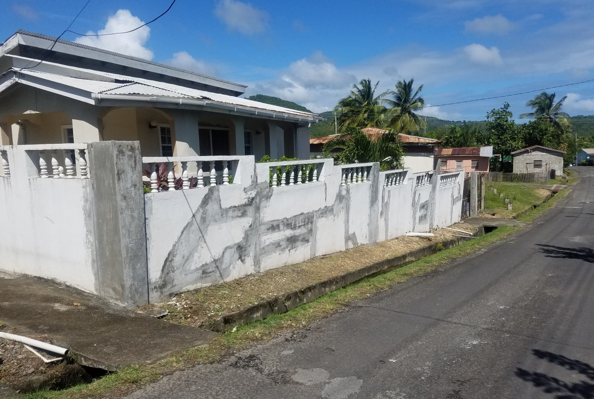 FIXER-UPPER PROPERTY FOR SALE ST LUCIA