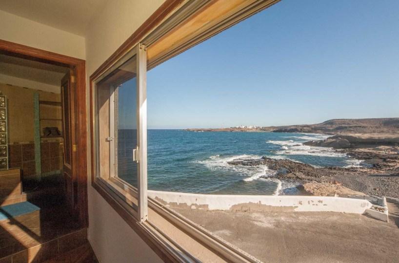 Купить квартиру на канарах на берегу моря снять коттедж на пхукете