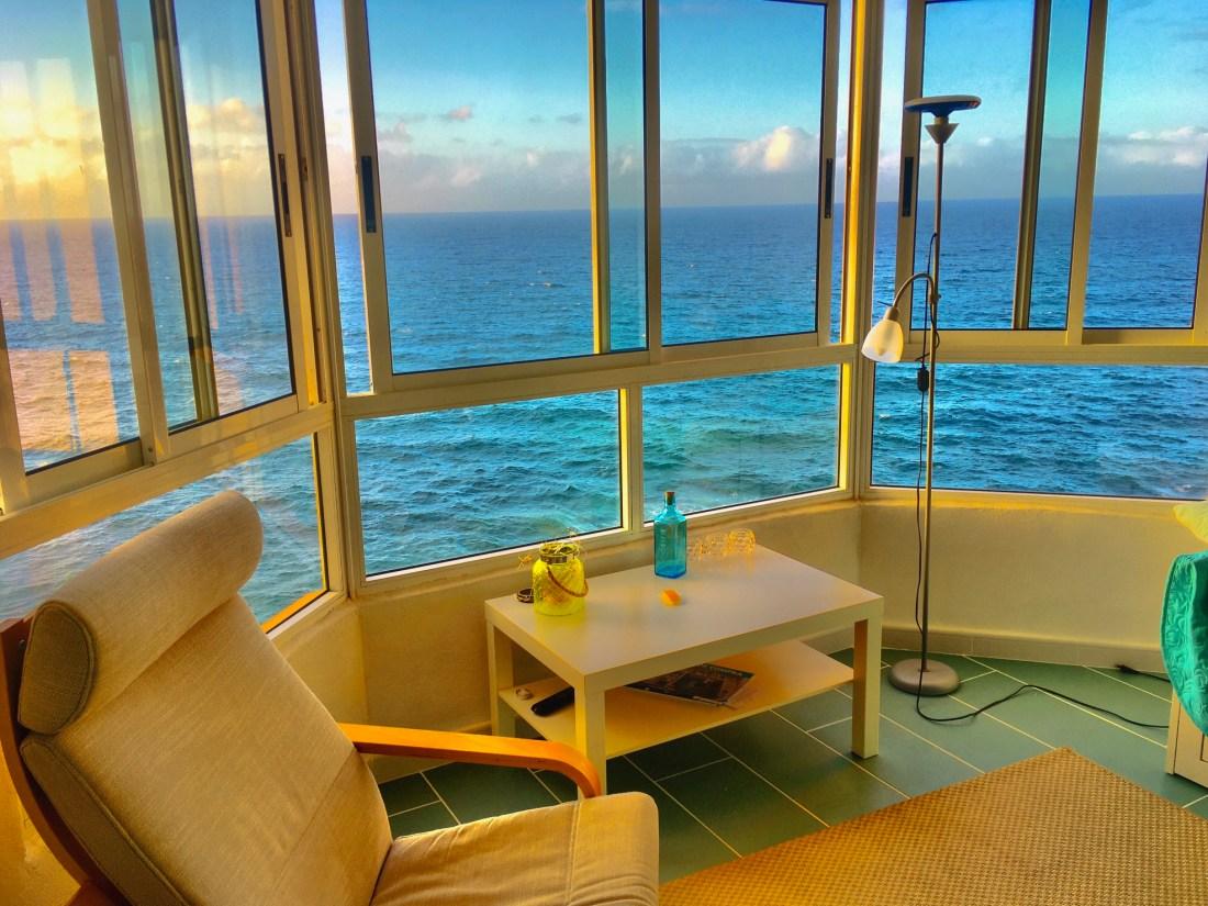 Купить квартиру на канарах на берегу моря погода в январе в оаэ