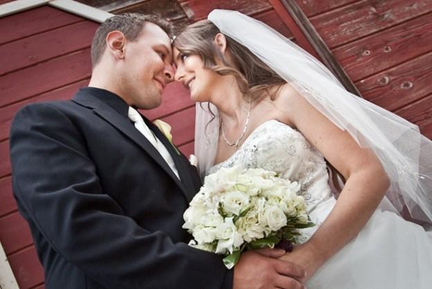 Real Weddings Wednesday: Presenting Stephanie and Stephen Zorro