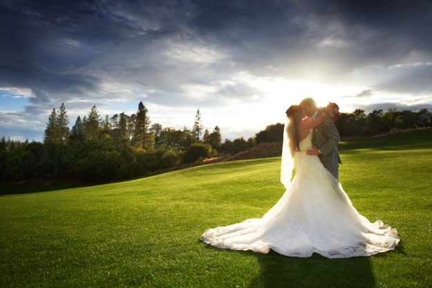 Sacramento Wedding - Janelle & Coleman by Ford Family Photography on www.realweddingsmag.com 0