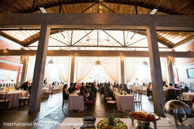 willow_ballroom_and_event_center_hood_wedding_venue_4
