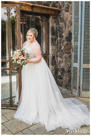 Real Weddings Magazine's Glamour on the Ranch photographed by Rochelle Wilhelms Photography on location at Triple S Ranch.