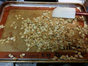 fall crafts with kids | roasting pumpkin seeds