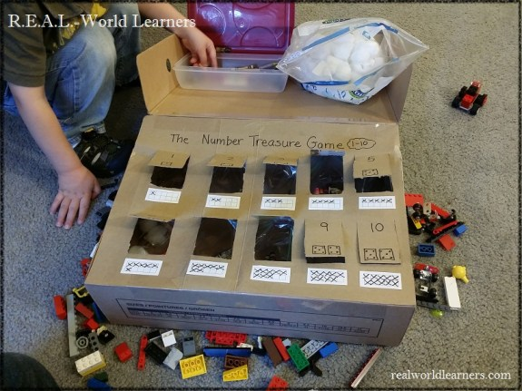 Number recognition game for preschoolers | identifying 1-10 with counting objects, dice, and ten frames | one-to-one correspondence | hands-on activities for preschoolers