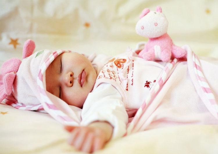 Baby 10 monate zuckt zusammen