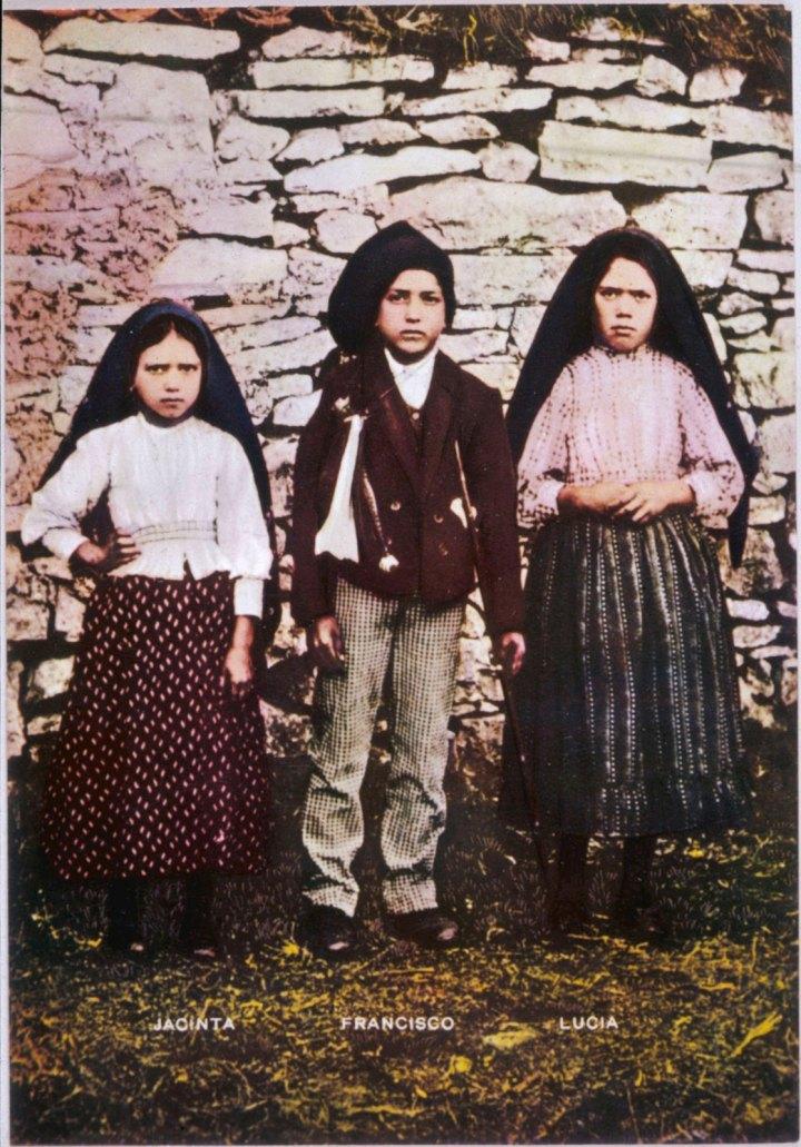 Lucia-dos-Santos-cousins-Jacinta-Francisco-Marto-1917
