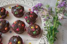 Čokoládovo-banánové muffiny s lentilkami (nejen) pro děti   reBarbora's kitchen