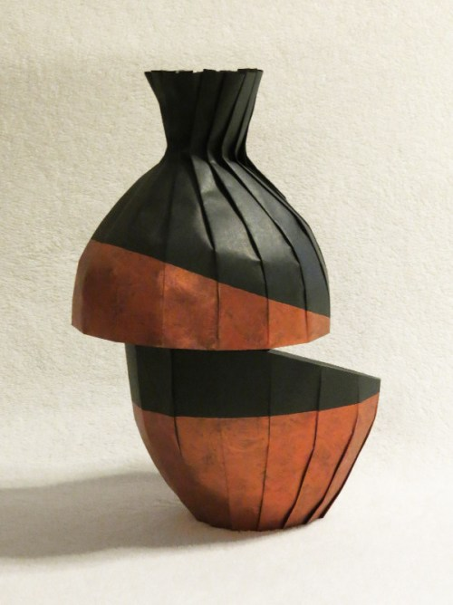 Diagonal shift variant vase