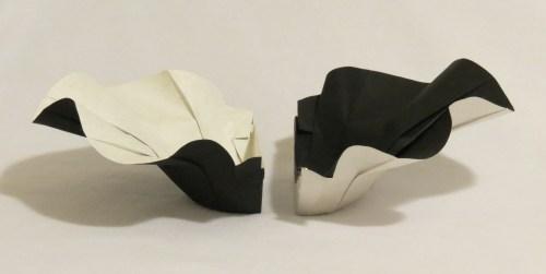 Wavy split bowl