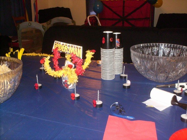 spiderman table decorations