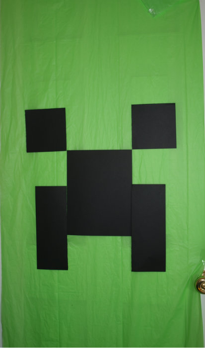 & Minecraft Creeper Door Decoration Tutorial