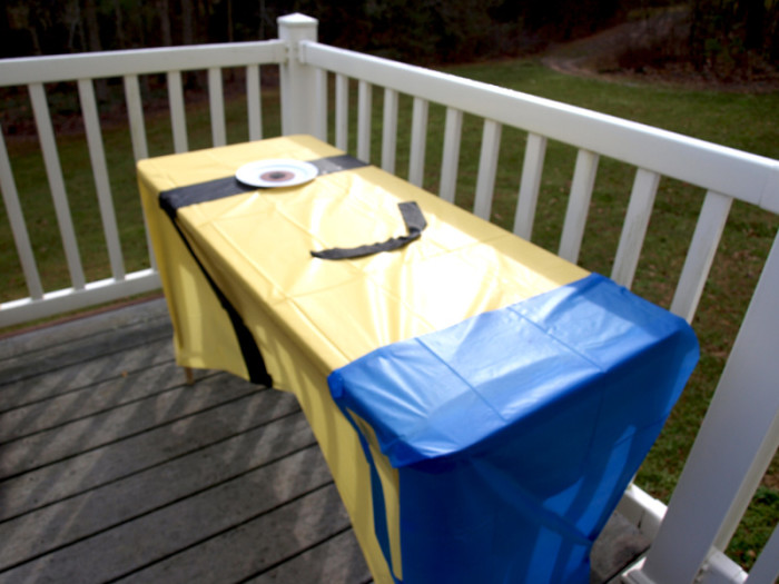 Minion Tablecloth tutorial