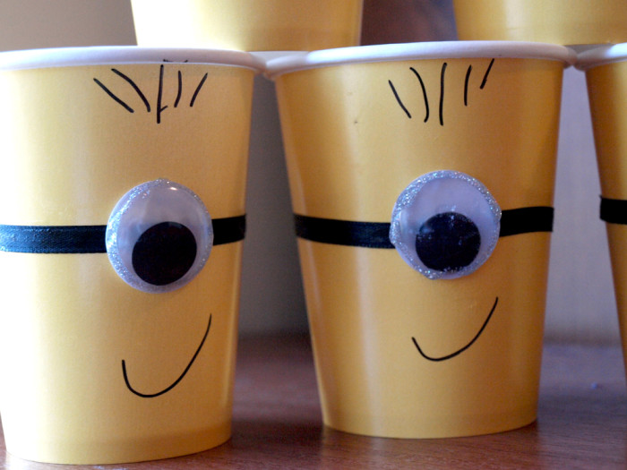 Minion party Cups close