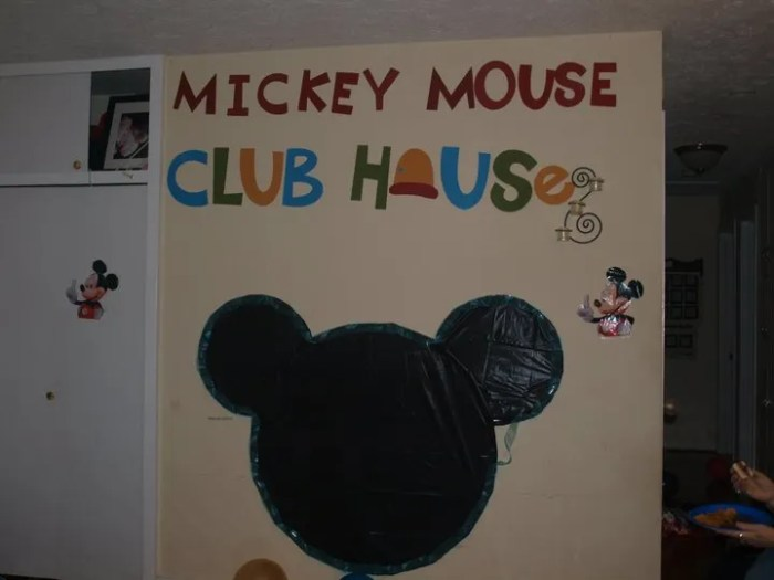 Minnie Mouse wall decoration