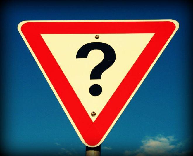 Question_mark_road_sign,_Australia