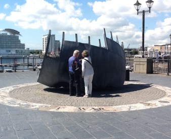 Merchant Seafarers' War Memorial (Brian Fell, 1996)