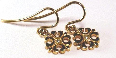18K yellow gold Petite Fleur de lis earrings with diamonds