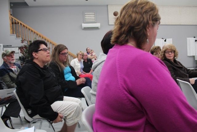 Emotional residents of all ages gather to learn more about the history of their water problems. (Rebecca Hussman)