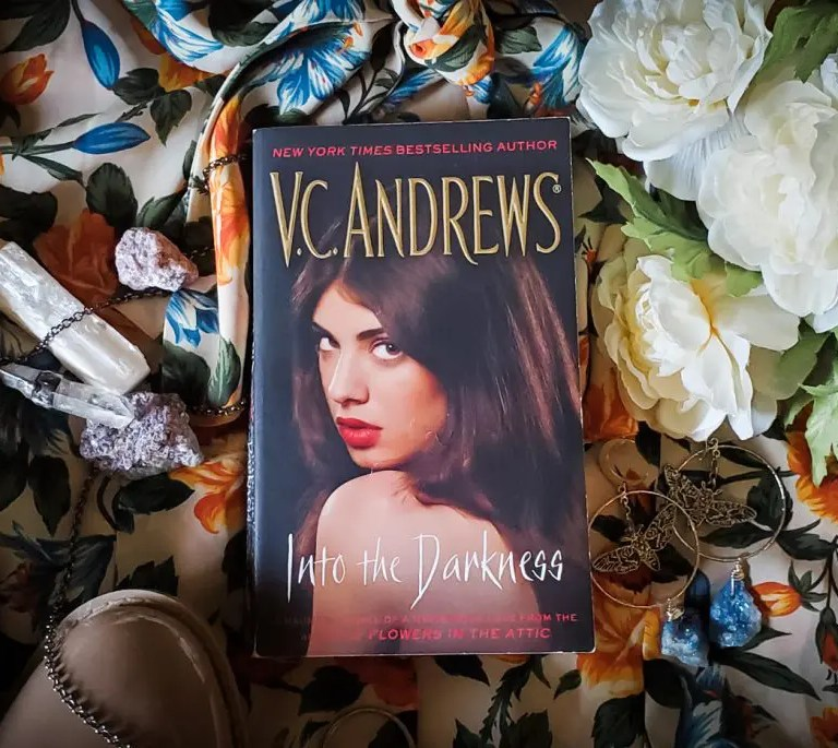 V.C. Andrews INTO THE DARKNESS Review