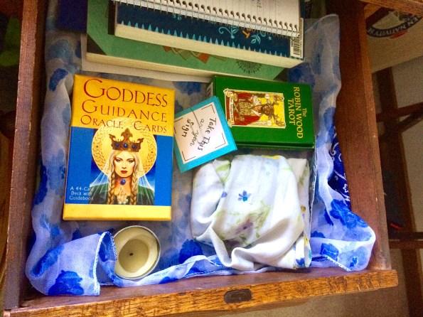 tarot drawer