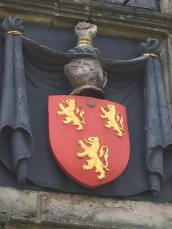 The Fitzgerald family crest.
